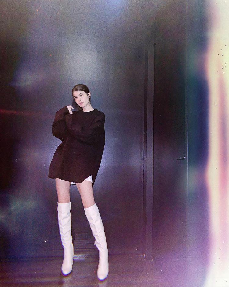 Maggy的超绝美腿照片让粉丝震惊好可爱是同一个人吗?