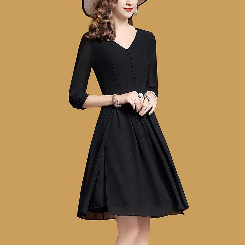 黑天�Z�W版裙, 上身美得心都�, �@得女人味十足, 看起�矸浅��雅