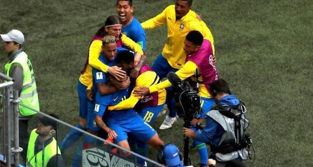 足球滚球在那里买:世界杯又一惨烈小组! 前三名