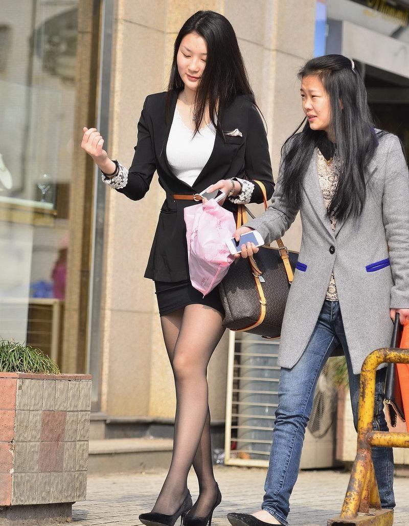操黑丝袜老婆免费视频_路人街拍, 职业装美女穿黑丝袜经典穿法, 黑丝细腻美腿性感