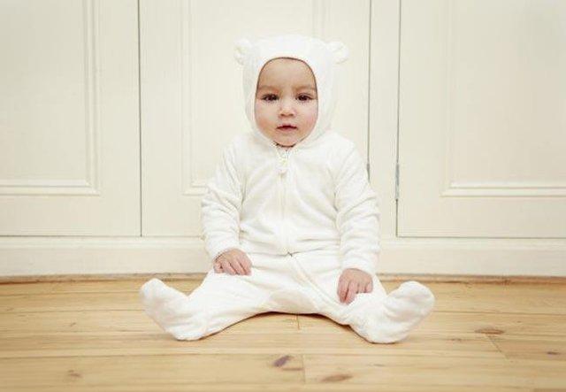 外国宝宝_外国奶爸快速哄宝宝睡觉新方法,最快只需40秒,使用道具不到1