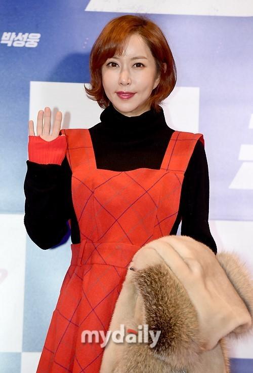 韩国女艺人Shoo承认自己因赌博欠下巨额外债