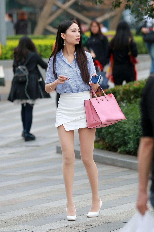 白色高跟鞋肉色丝袜_女人白色丝袜穿什么样的高跟鞋最搭配