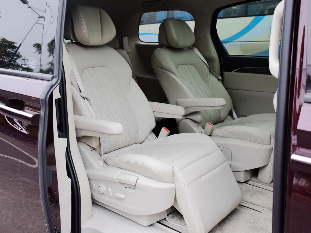 要看老人鸡巴大的_想要7座大空间,要是只知道看SUV你就亏大了!-新浪汽车