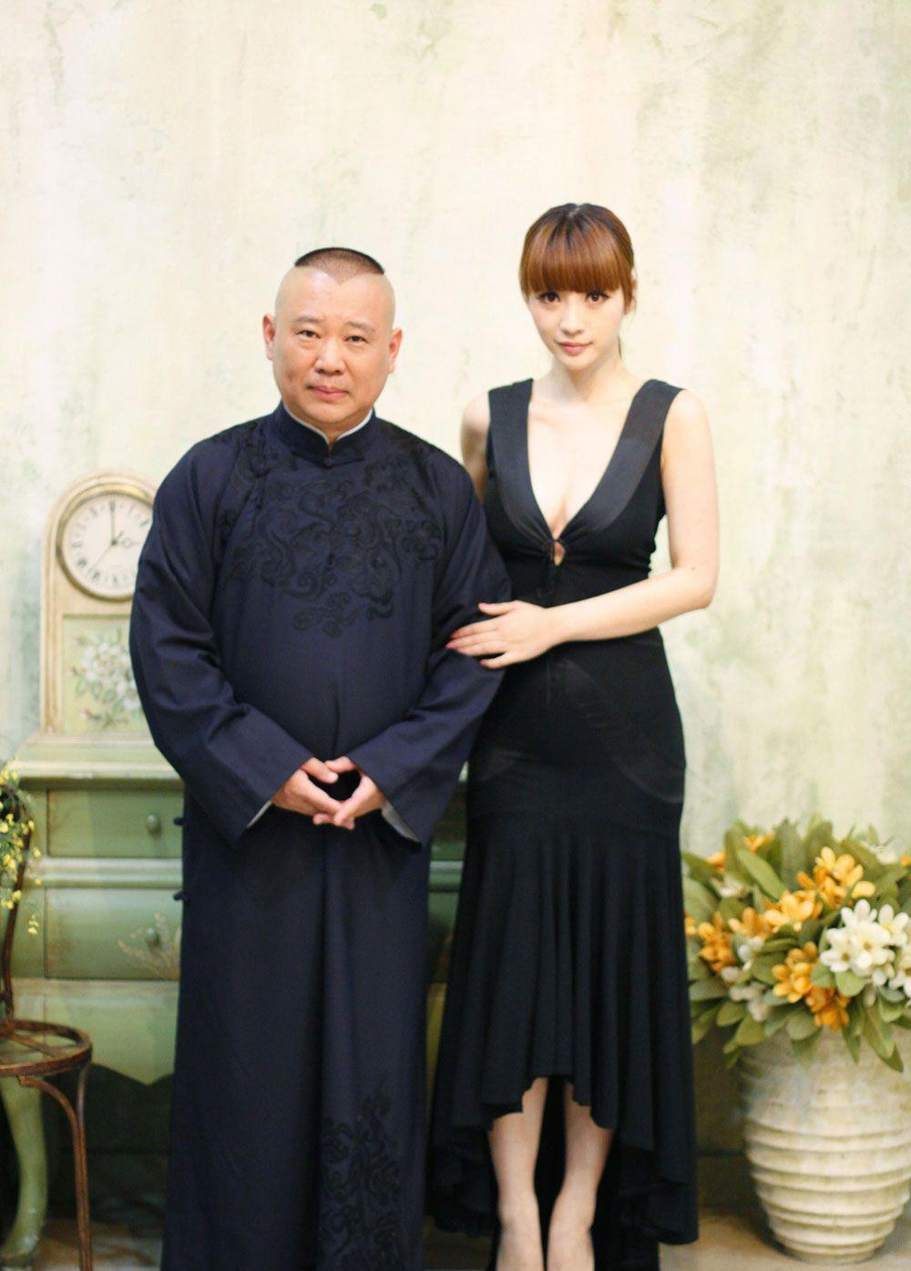 郭德纲老婆_郭德纲自述老婆王慧年轻时人美歌甜, 在台湾演出时曾
