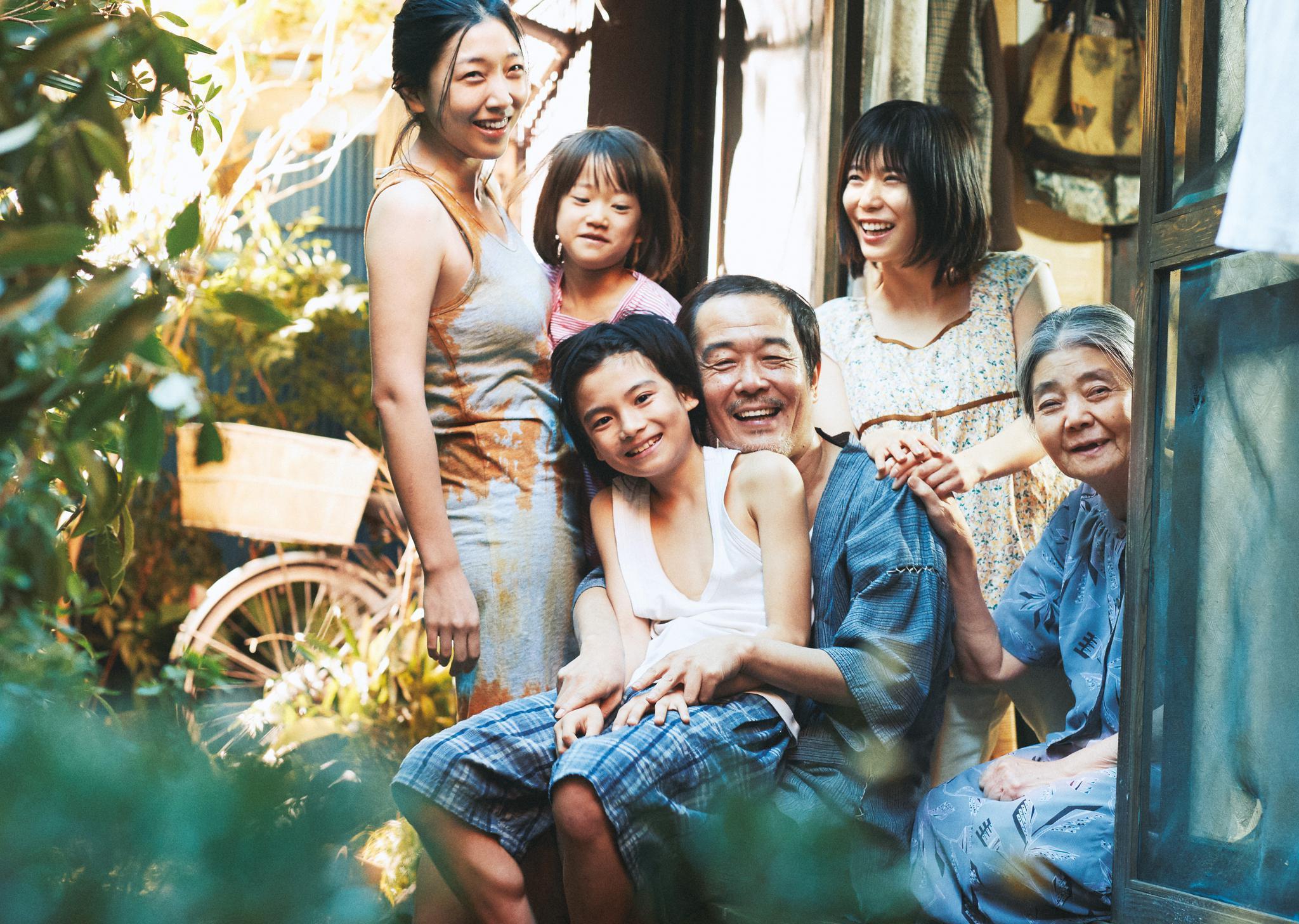 成人电影日本中川亚衣_据悉,由是枝裕和执导,中川雅也,安藤樱主演的日本电影《小偷