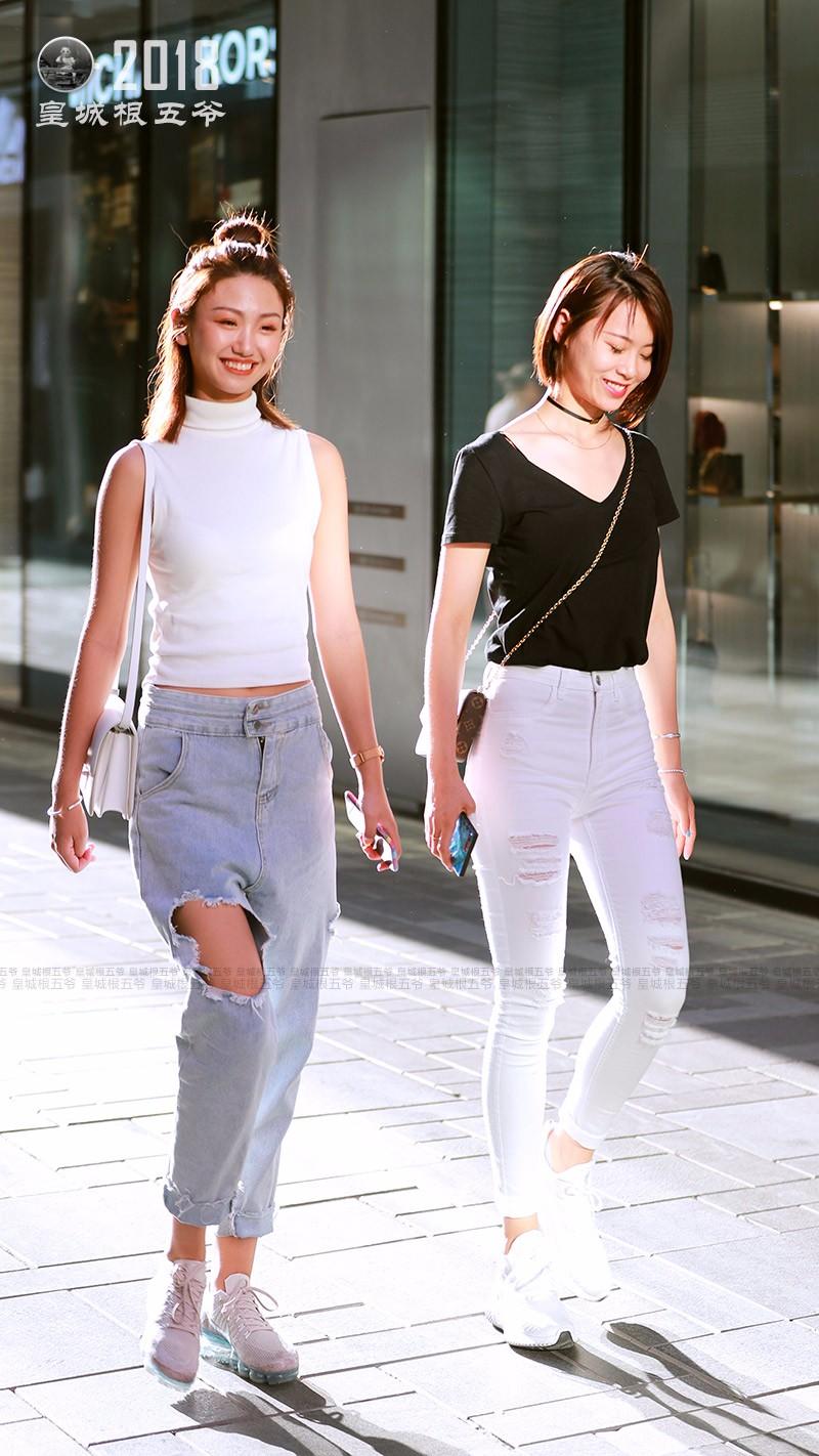 街拍:想要拥有好心情,就要从每天的穿衣搭配开始