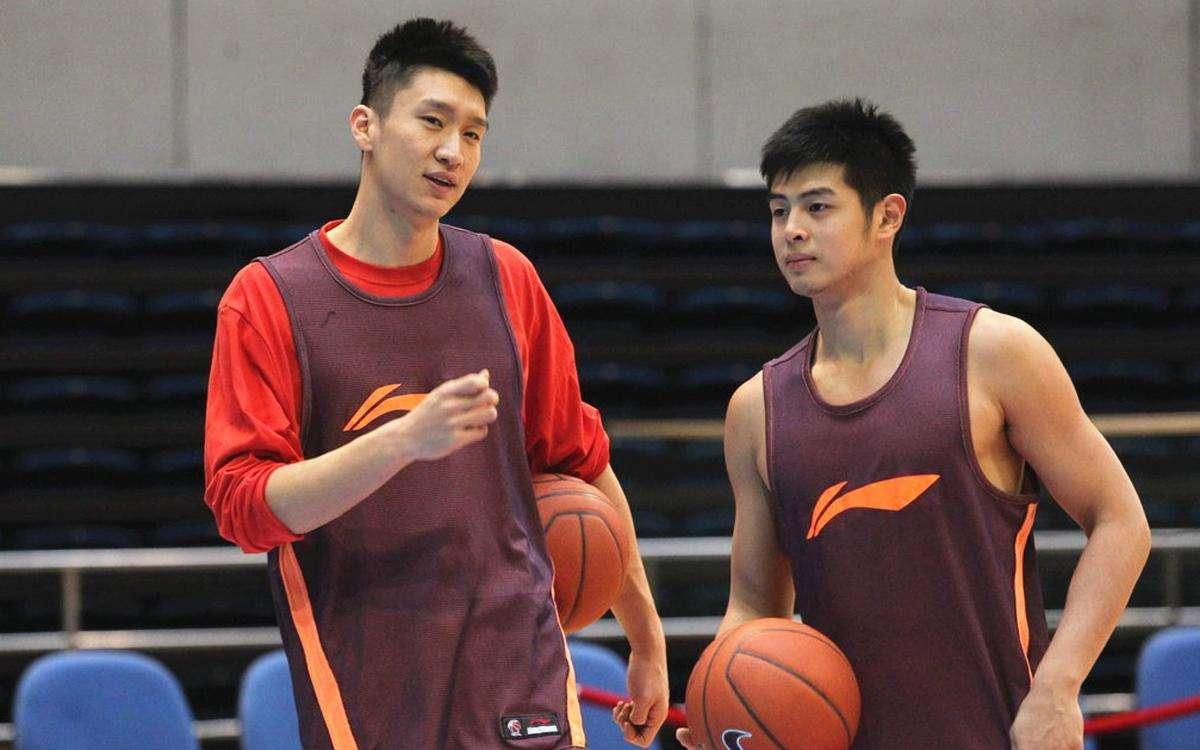 易建联无缘亚�9/&_美媒评选中国男篮最强5名球员,易建联无缘榜单,姚明仅
