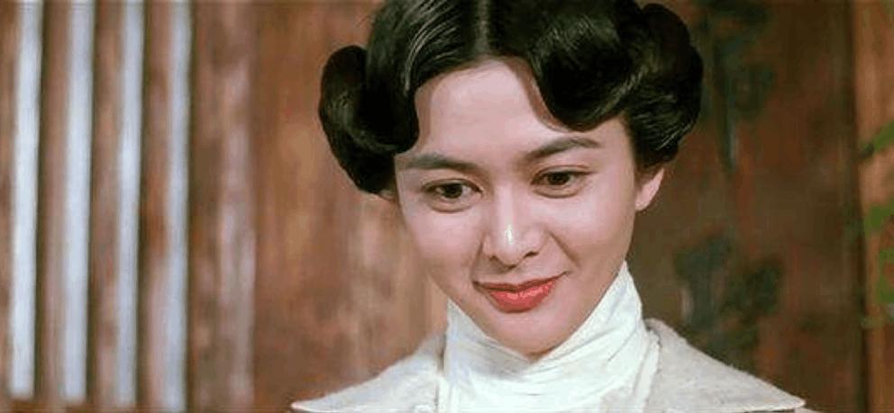姨的小穴_《新版黄飞鸿》本月上映,扮演十三姨的居然是她,比关之琳美太多