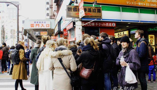 訪問日本東京如雷貫耳的旅游景點-淺草寺雷門