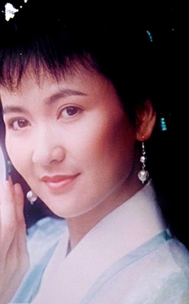 《新白娘子传奇》演员26年重聚,碧莲夏光莉未