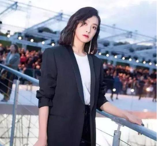 最适合仙女烫发型的7大女星 最美的不是赵丽颖迪丽热巴竟是她?