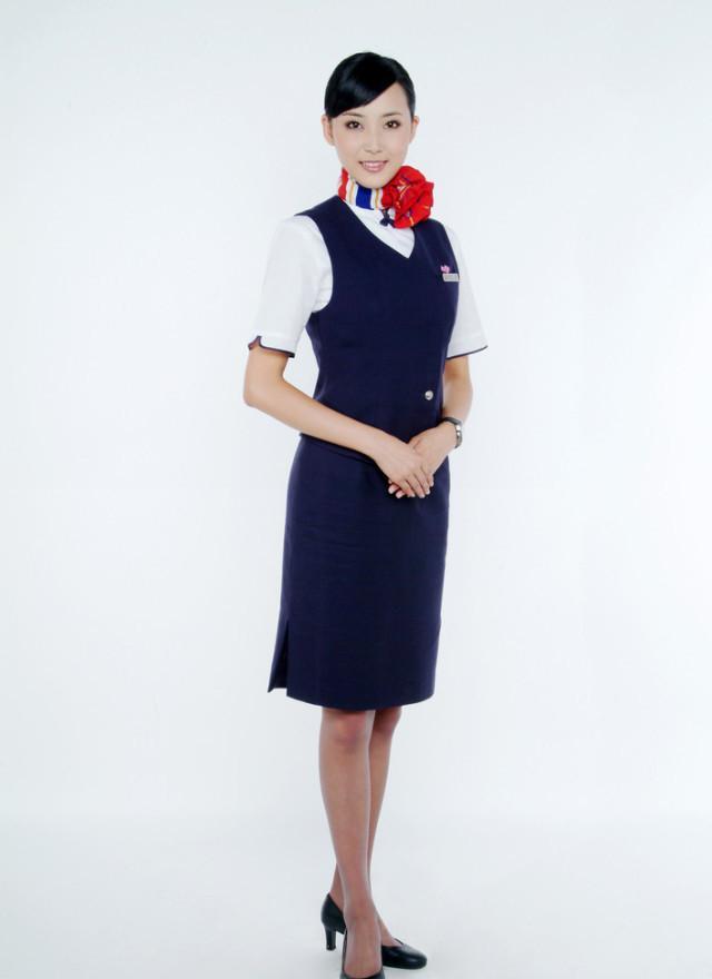 空姐脖子上的丝巾_真尴尬, 空姐脖子上的丝巾原来是有这些用处