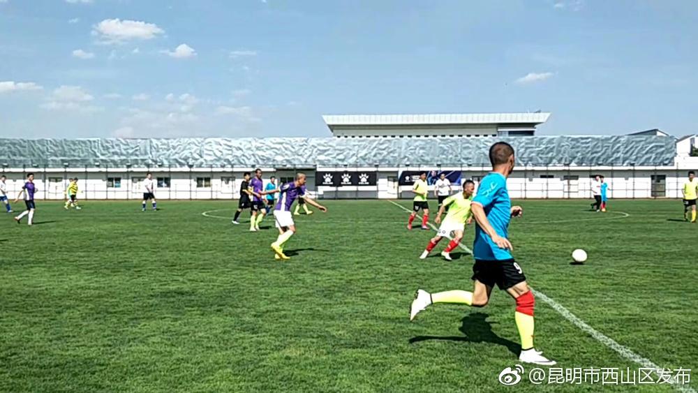 普坪社区组织开展足球比赛活动