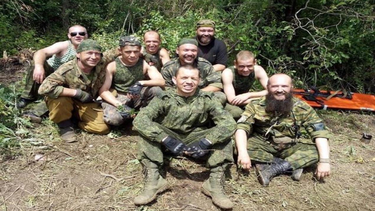 雇佣兵2战灩9�_遭叛徒出卖,俄雇佣兵遭敌军围攻,因拒绝投降战死沙场!