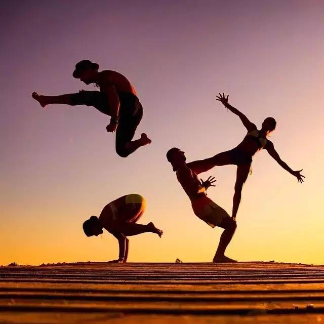 學他們拍瑜伽照發朋友圈!圖片