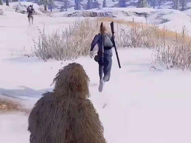 新版雪地地圖出現雪怪,身穿沙漠吉利服,網友:神廟逃亡圖片