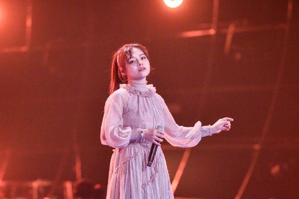 《歌手》首播选手被劝退,赢毛不易却败口碑,曾演唱姚贝娜歌被赞