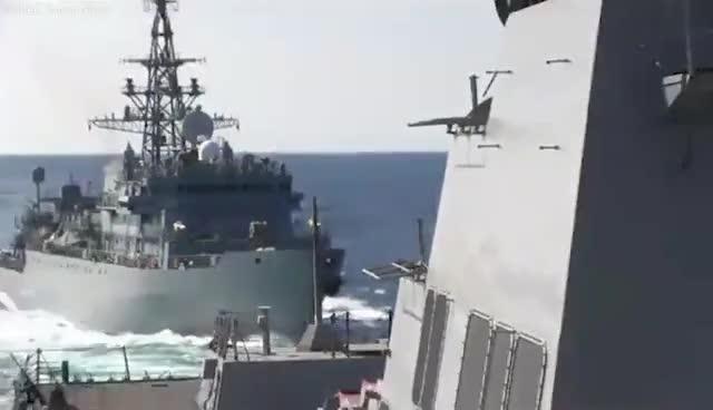 美俄军舰差点相撞图片 17714 640x368