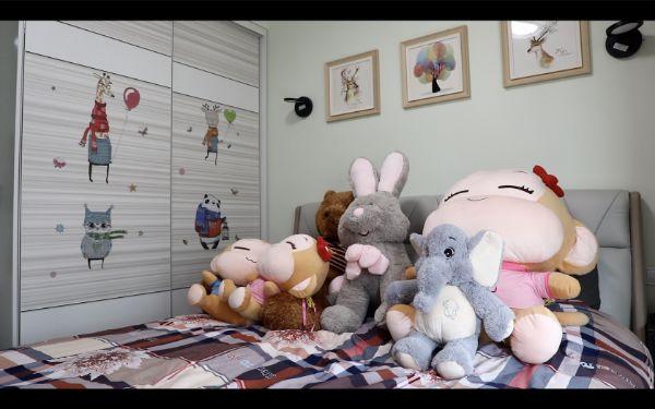 蕾蕾的床。视频截图