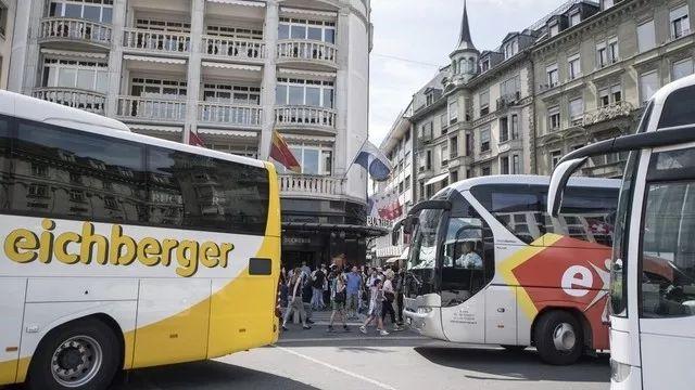 """""""中国万人旅游团到访瑞士""""的图片搜索结果"""