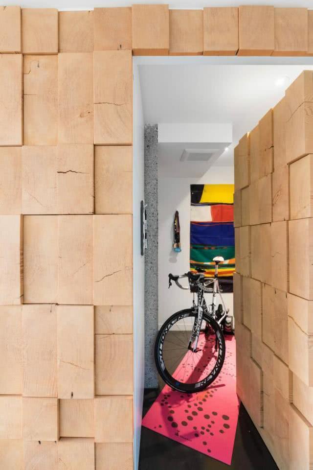 参观朋友合肥新房却被耍,105平房没一面正常墙!电视都用机关