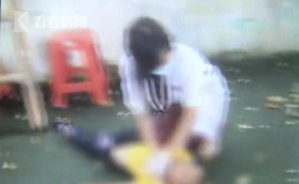 视频|痛心!小学生翻越学校围墙 不慎被勒窒息身亡
