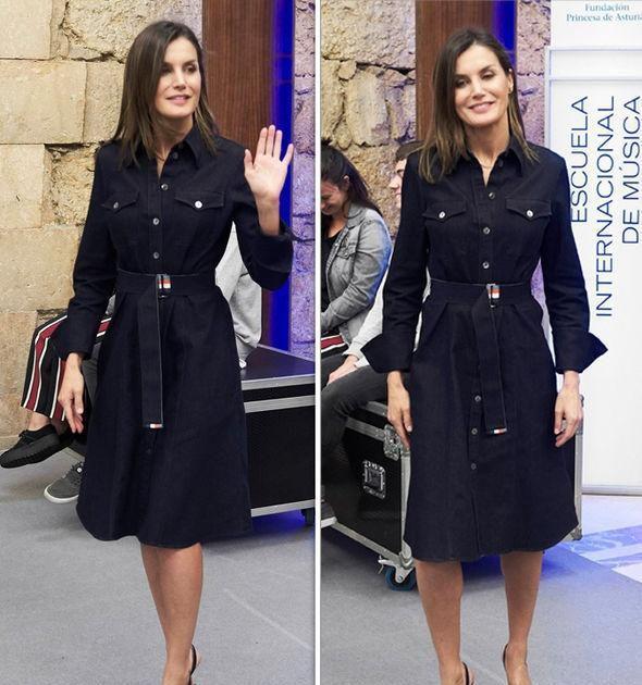 西班牙王后牛仔裙穿出新高度,搭白上衣真高级