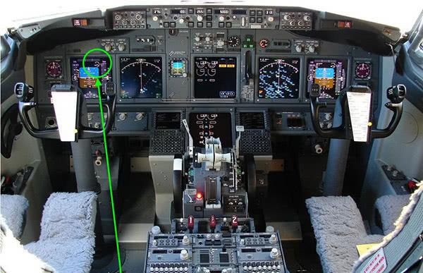 """波音737 NG机型上的""""迎角警报。器""""位置 图自推特"""