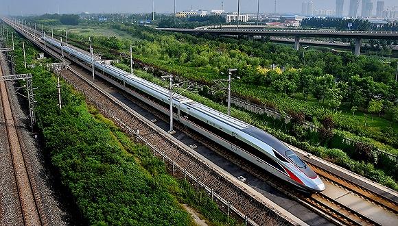今年前5个月国家铁路旅客发送量累计完成14.36亿人次