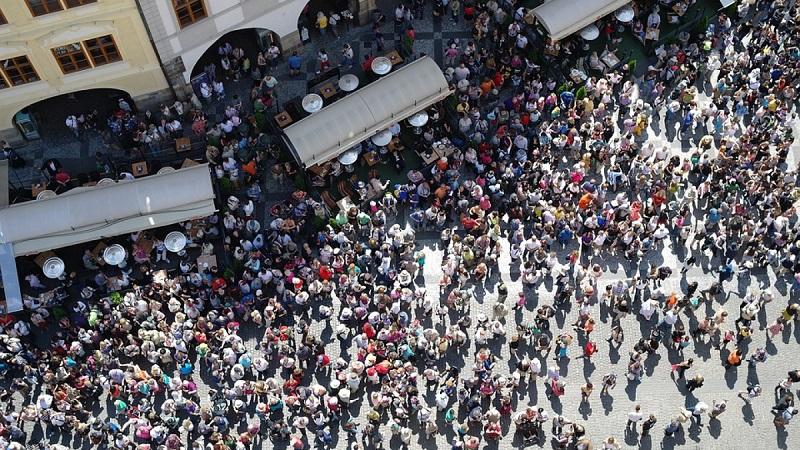 2027年印度人口数量将达到16.43亿 赶超中国