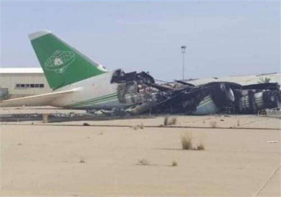 被炸毁的飞机 图源:社交媒体