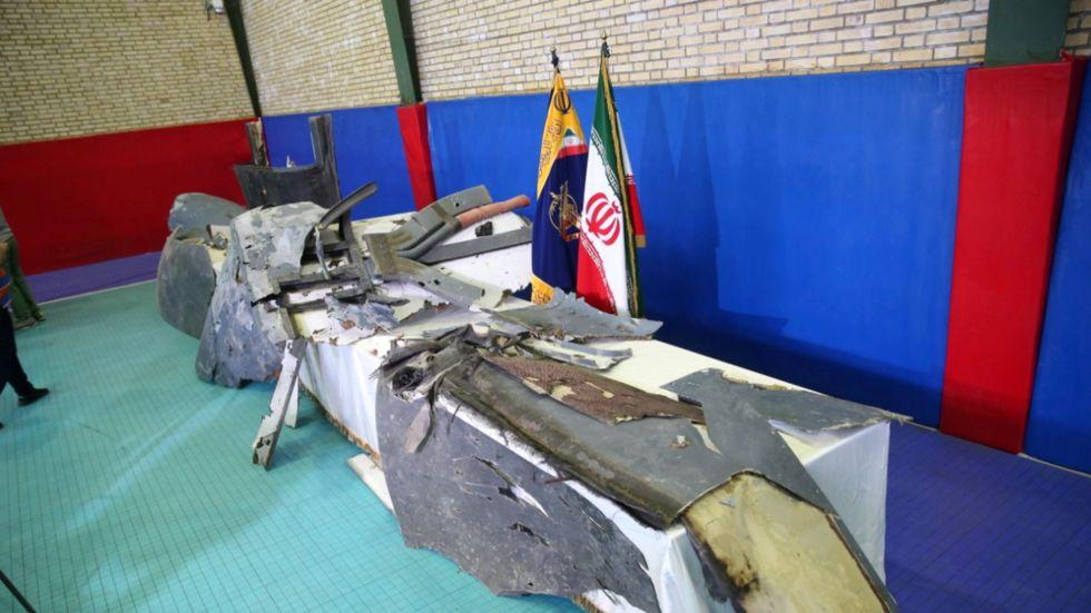 伊朗军方21日展示被击落的美军无人机 图丨塔斯尼姆社