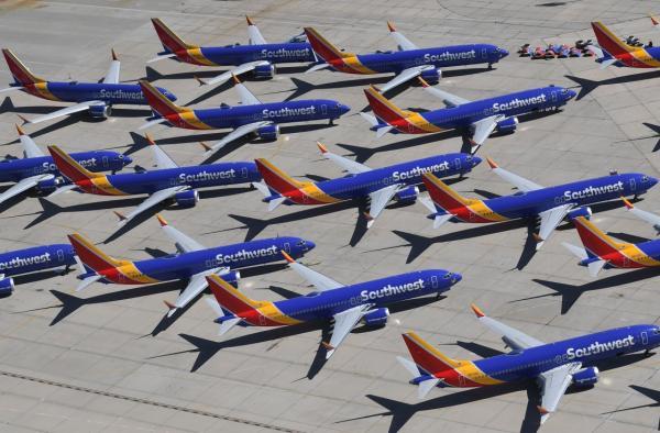 这是2019年3月28日在美国加利福尼亚州维克托维尔的南加利福尼亚物流机场拍摄的波音737 MAX飞机。 新华社 资料图