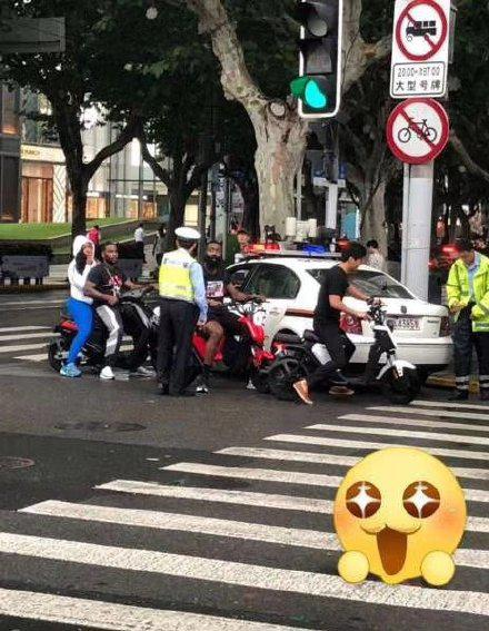 逗妹吐槽:上海交通委提示哈登:行車不規范……