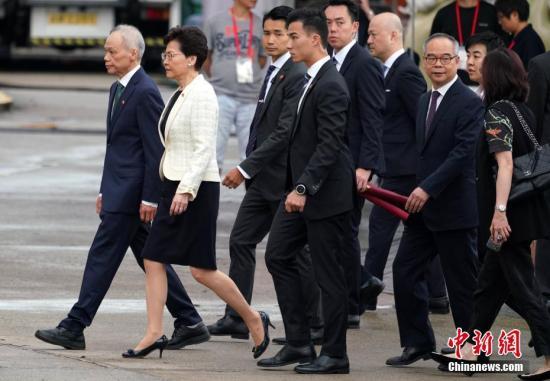 资料图:2019年7月1日上午,香港特别行政区政府在金紫荆广场举行升旗仪式,庆祝香港回归祖国及香港特别行政区成立22周年。中新社记者 张炜 摄