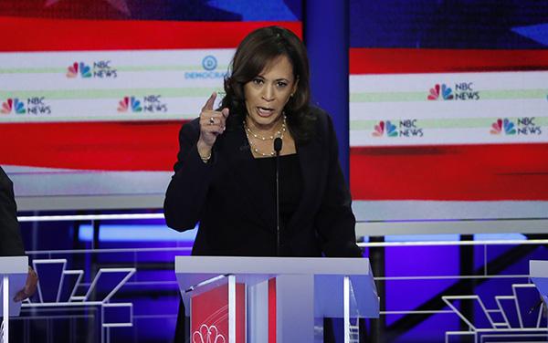卡马拉·哈里斯(Kamala Harris)在当地时间6月27日民主党党内初选辩论 视觉中国 图