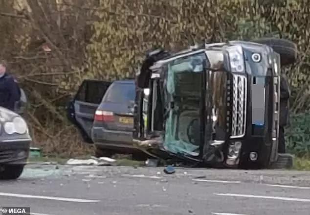 英女王老公车祸竟藏商机!路人捡到亲王座驾碎片拍卖起价400
