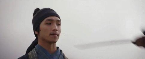《花木兰》中文版预告引热议,男主角来头不小,撞脸半个娱乐圈