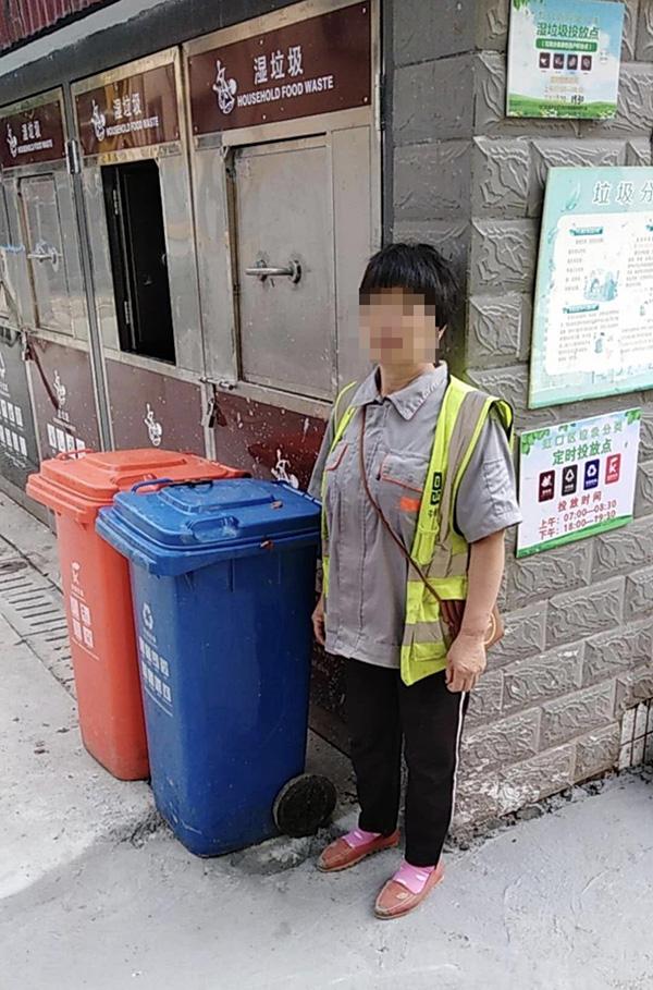因倒垃圾分类小区志愿者被打?最新消息街道方面安排她重新上岗