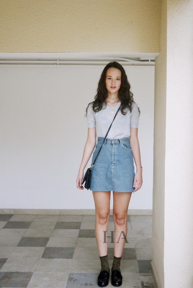 永不过时的蓝色牛仔裙,实穿又时髦,应该成为每个姑娘的搭配神器