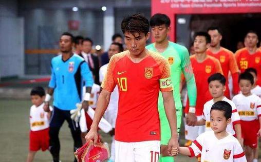 太猖狂了!国足归化之际,越南马来却称40强抽签遇中国队是上