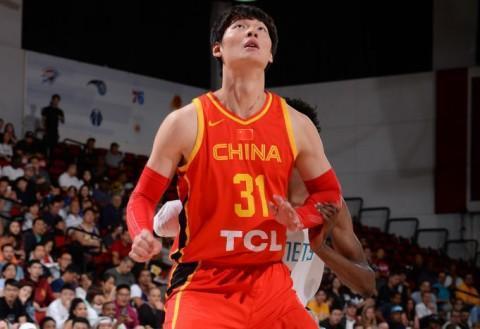 男篮夏季联赛球员点评:强硬的他是唯一可以在NBA打上比赛的人