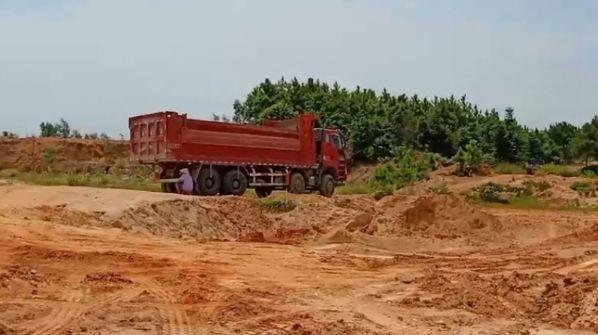 吉安市吉水县山砂遭盗采 破坏环境严重那就只有一��扰民