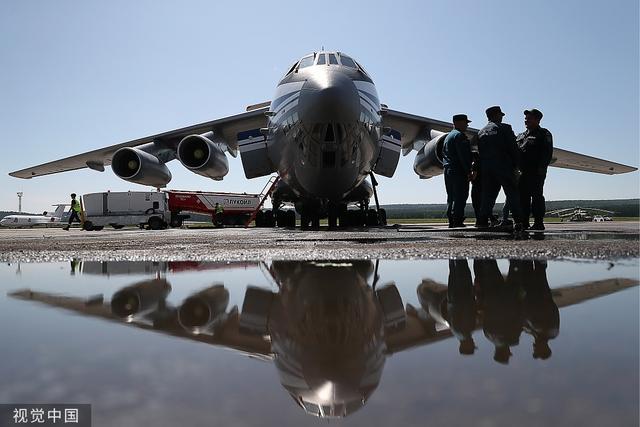 愹aiyil�9��Y��_当地时间2019年8月2日,俄罗斯克拉斯诺雅斯克市,一架ilyushin il-76