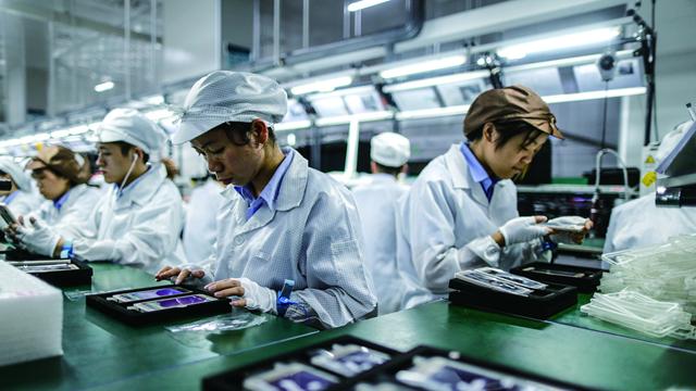 目前包括手机、笔记本在内的订单正由伟创力快速流向其他厂商。