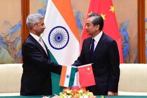 8月12日,国务委员兼外长王毅在北京同印度外长苏杰生会面。(来源:外交部网站)