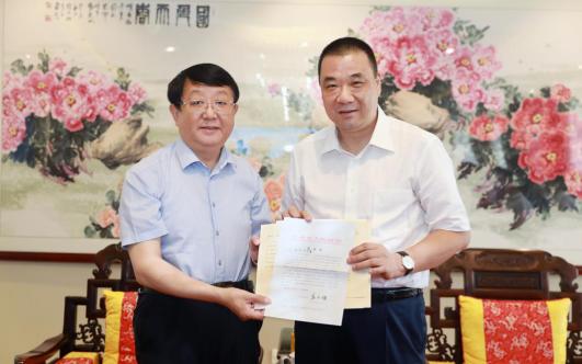 甘肃定西市委书记唐晓明代表省政