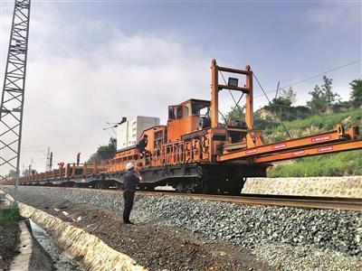 陽大鐵路項目全線進入長鋼軌鋪設階段