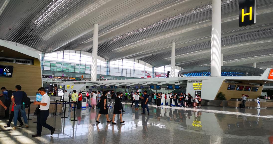白云机场二号航站楼广州日报客户端 图